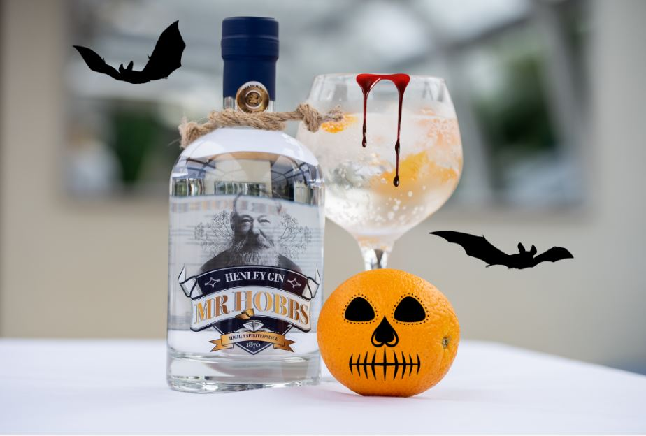 Spooky Sipping: Halloween Gin Cocktails